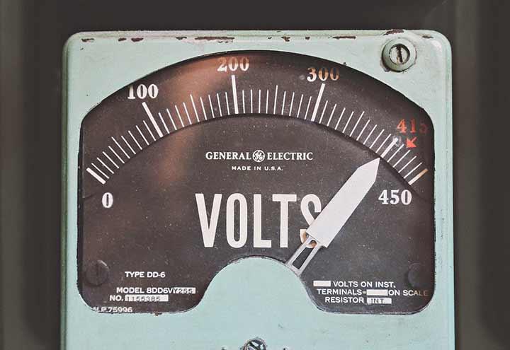 『08001706502』の正体はイーセレクトの電力プラン営業電話